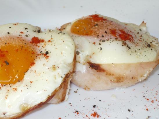 Tükörtojás csülökkel (3 tojásból)